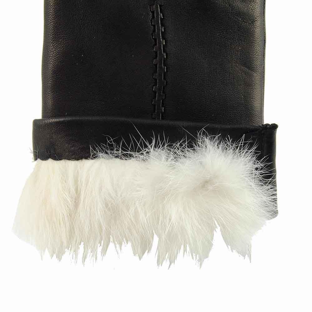 Detalle forro guantes piel negra forro conejo