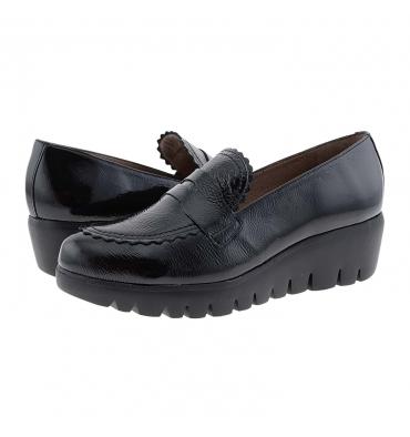 https://cache1.paulaalonso.es/11515-112021-thickbox_default/zapatos-piel-charol-negro-c33223-wonders.jpg