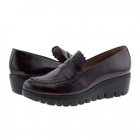 https://cache1.paulaalonso.es/11516-112027-thickbox/zapatos-c33223-piel-charol-burdeos-wonders.jpg