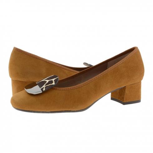 https://cache2.paulaalonso.es/11560-112365-thickbox/zapatos-piel-ante-cuero-y-adorno-medio-tacon.jpg