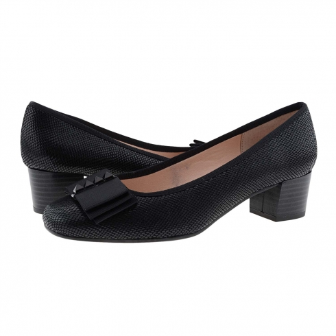 https://cache.paulaalonso.es/11940-115155-thickbox/zapatos-salon-negro-piel-serpiente-con-lazo.jpg