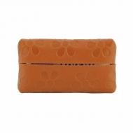 Porta pañuelos en piel grabada