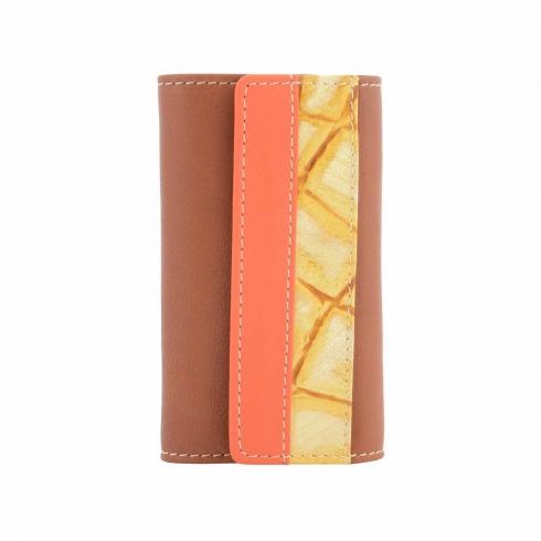 https://cache2.paulaalonso.es/6957-68756-thickbox/llavero-6-mosquetones-piel-tricolor.jpg