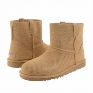 Botin 1016852 Classic Unlined Mini Perf UGG